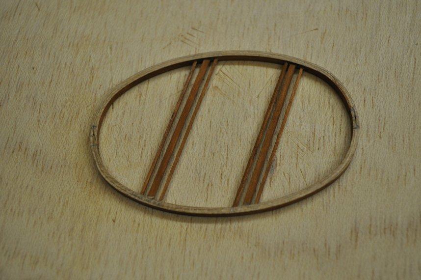 http://www.ulmo.net/miniatures/didier-wetzel/photos/egg-rocking-chair/2013-02-06%20-%20stage%20ebenisterie%20-%20didier%20wetzel%2002.jpg