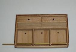 http://www.ulmo.net/miniatures/didier-wetzel/vignettes/2010-11-10 - stage ebenisterie - didier wetzel 21.jpg