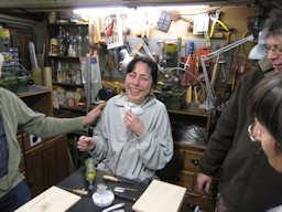 http://www.ulmo.net/miniatures/didier-wetzel/vignettes/malle-bar/2012-02-08 - stage ebenisterie - didier wetzel 23.jpg